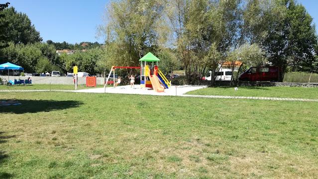 Zona do parque infantil