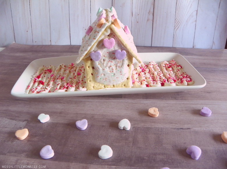 Valentine treat pop tart house