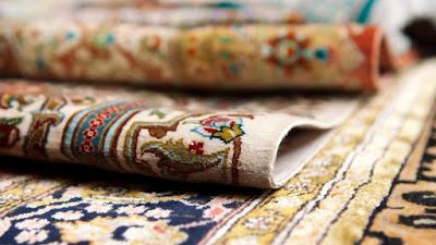 Tapetes decorativos dobrados