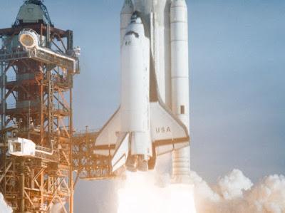jet luar angkasa penerapan hukum 3 newton