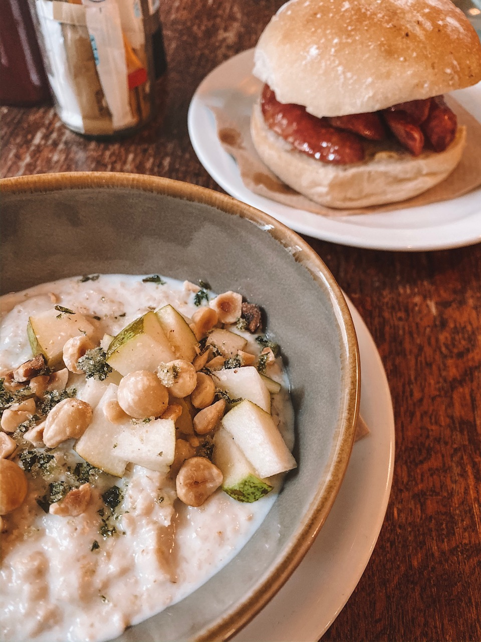 Travel blogger Amanda Martin eats at The Edinburgh Larder