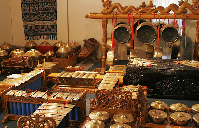 14 Alat Musik Gamelan Jawa Tradisional yang unik di Indonesia