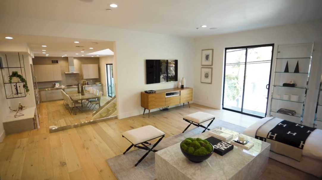 49 Photos vs. 8729 Wonderland Ave, Los Angeles, CA Interior Design Luxury Home Tour