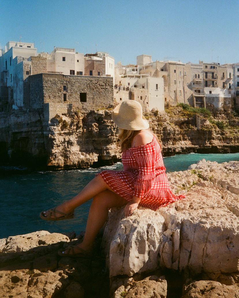 Puglia-grotto-beach-italy