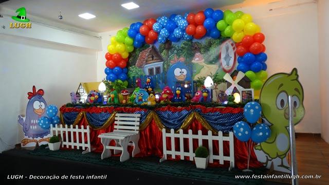 Decoração tema de 1 ano - Mesa de tecido luxo Galinha Pintadinha