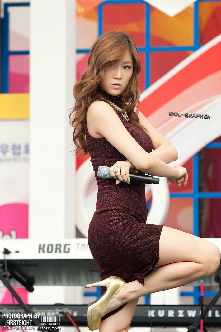 Sistar (씨스타) Soyou (소유) - (1) - Beef day (2012) to announce the superiority of Korea Dairy Cattle Association on 09 June 2012