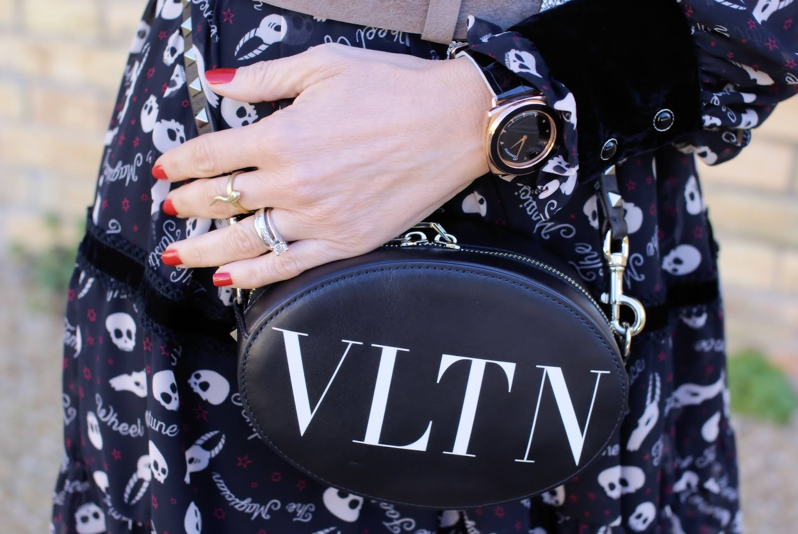 Penarosa watch and Valentino bag on Fashion and Cookies fashion blog, fashion blogger style