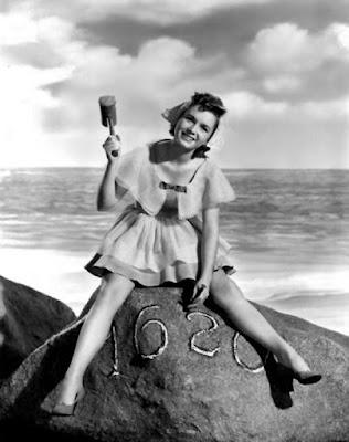 Debbie Reynolds, Plymouth Rock pinup