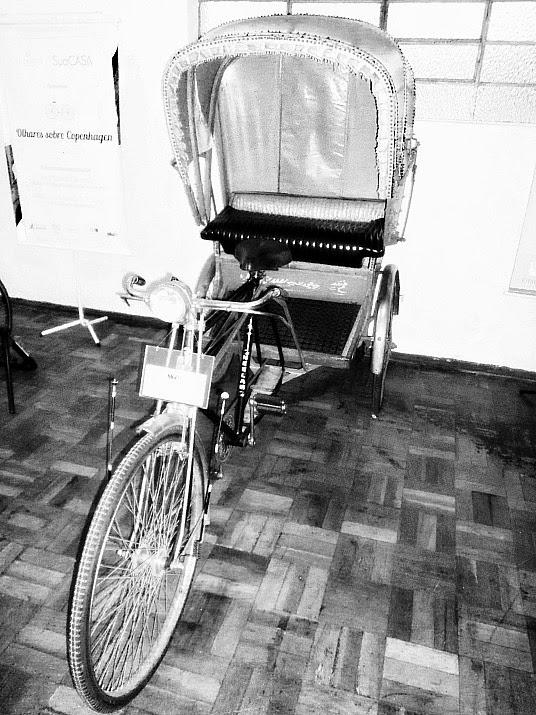 Rickshaw indiano da década de 1980, no Museu da Bicicleta de Joinville