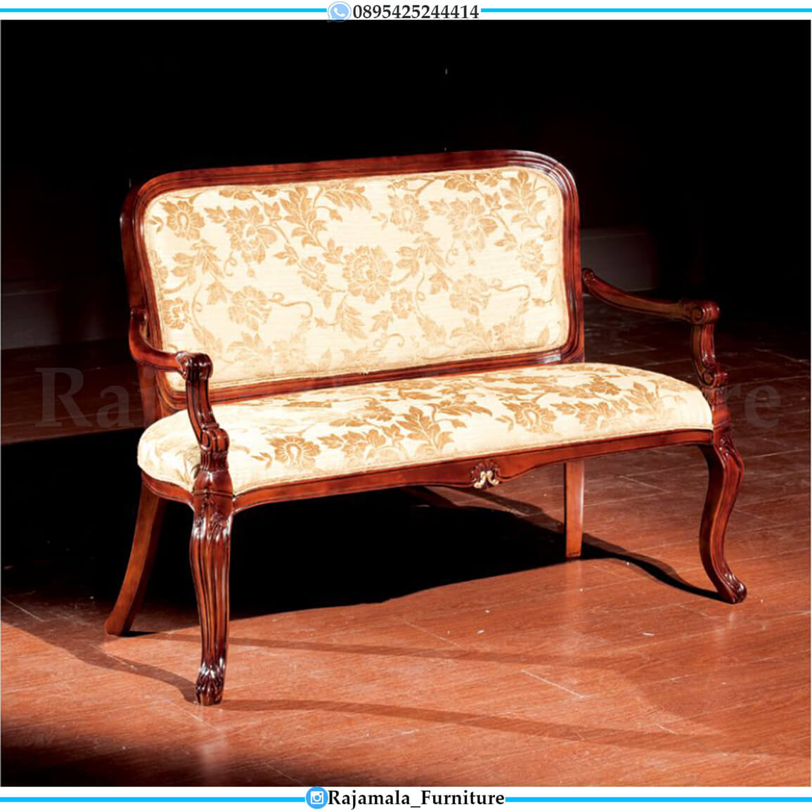Sofa Santai Jati Klasik Natural Salak Luxury Design Jepara RM-0541