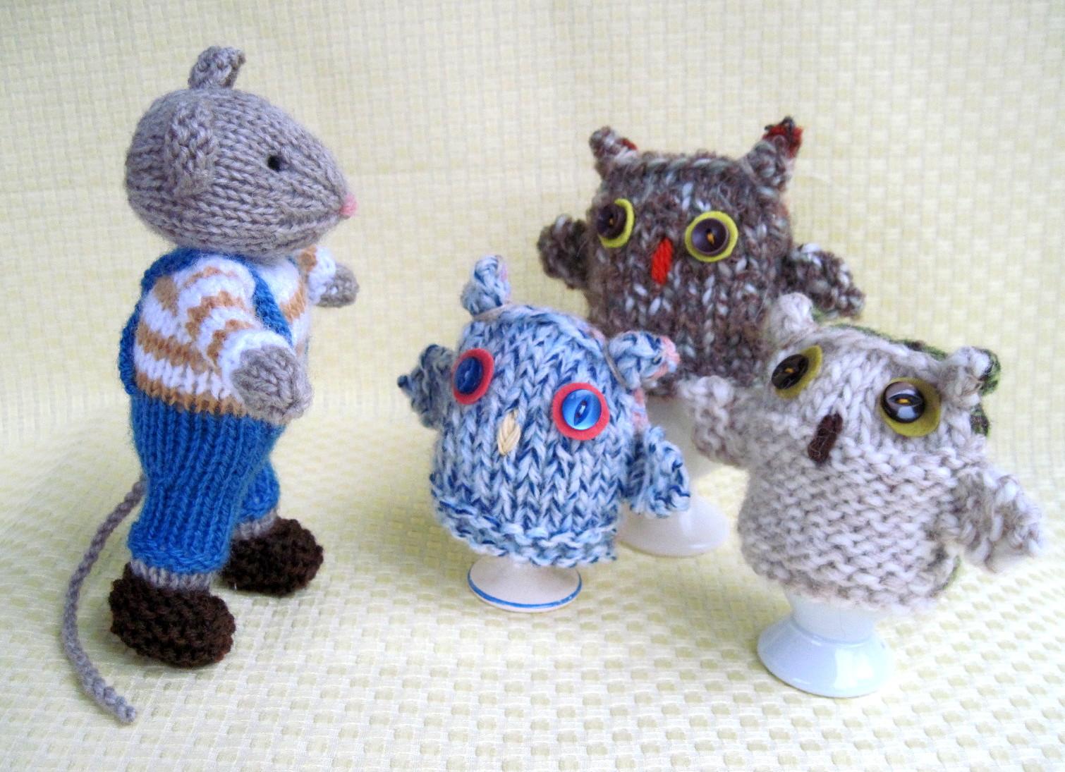 562fba2da504 Flutterby Patch  FREE PATTERN - Owl egg cosies