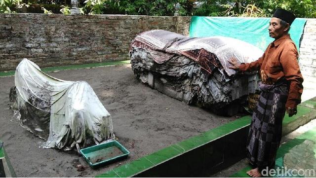 Jelang Pemilu Ini, Makam Mbah Lancing Semakin Ramai Didatangi oleh Para Caleg
