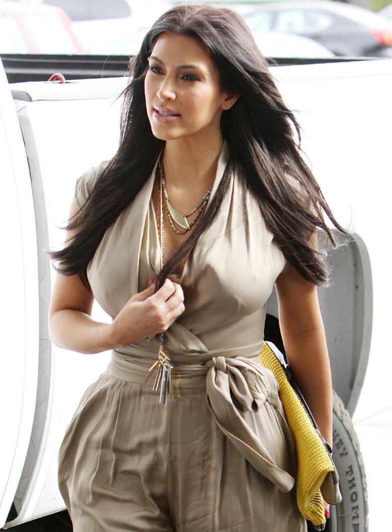 Kim Kardashian At West Hollywood Location  Latest Photo -6753