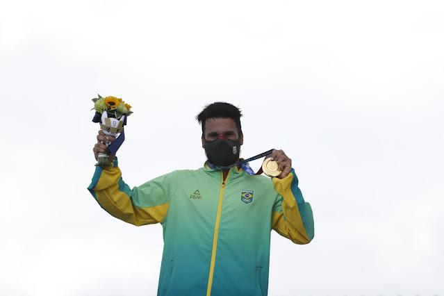 Ítalo Ferreira é o primeiro atleta potiguar a conquistar a medalha de ouro em Olimpíadas