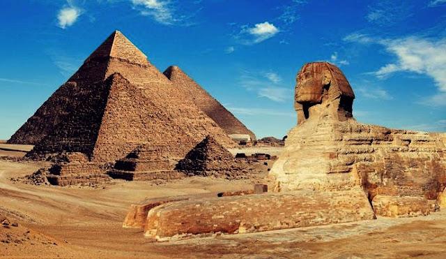 Arquitetura Egípcia: Pirâmides e Esfinges