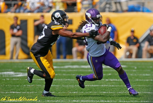 watch live american football games online free_Vikings storm back from 20-0 break deficit to stun Broncos, 27-23