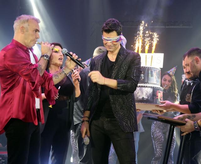 Σάκης Ρουβάς: Η έκπληξη από τον Στέλιο Ρόκκο και την Έλενα Παπαρίζου για τα γενέθλιά του