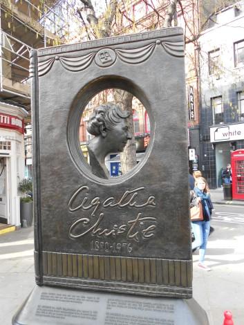 Monumento a Agatha Christie, en Londres