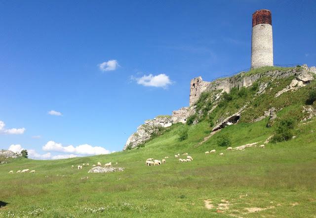 ruiny-zamek-olsztyn-jura