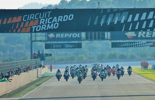 Más de 150 pilotos corren este fin de semana en las ocho categorías del CIV de motociclismo