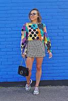 https://www.karyn.pl/2018/09/spodnica-w-kropki-i-kolorowy-top.html