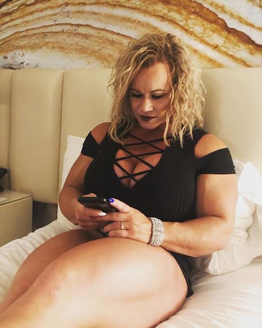 Aleesha Young Hot & Sexy Pics