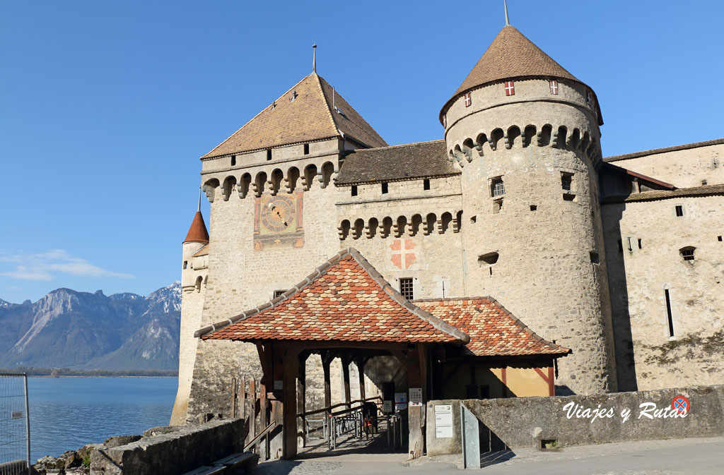 Lateral del Castillo de Chillon, Suiza