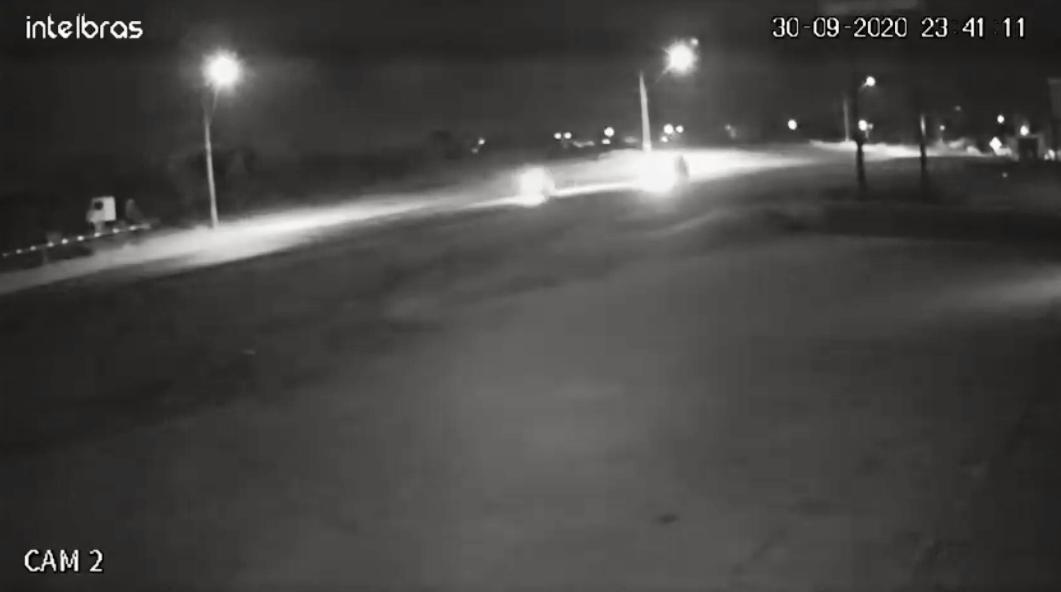 Veja o vídeo da impactante colisão entre moto e carro que matou veterinário de 26 anos