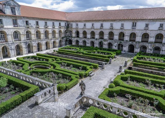 Claustro da Hospedaria, Mosteiro de Alcobaça, Portugal