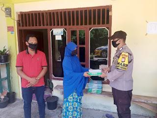 Kunjungi Taman Pendidikan, Bhabinkamtibmas Bripka Eko Purnomo Bagikan Al-Qur'an dan Iqra