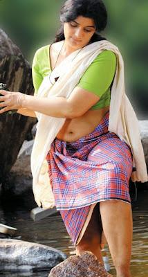 Malayalam actress hot thighs show