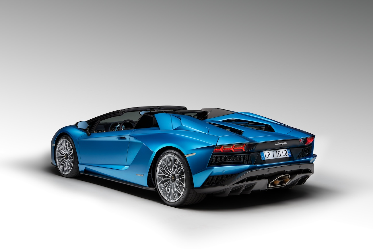 If You Felt In Love With Aventador S Roadster Too, You Can Begin To Save  Your Money Before First Deliveries In February 2018 Because This Model Will  Cost ...