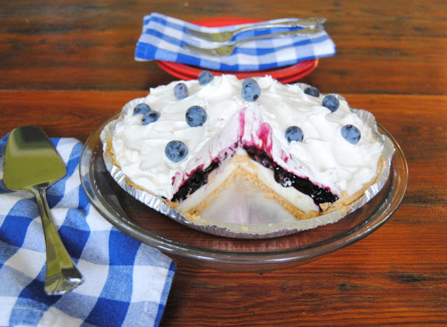 Blueberry Banana Ice Box Pie at Miz Helen's Country Cottage