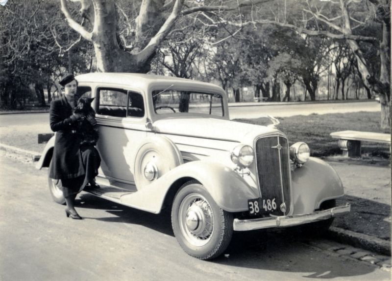 37 Cool Pics That Capture Women Posing With Their '30s Cars