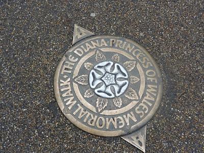 Diana, Princesa de Gales Memorial Walk marcador.