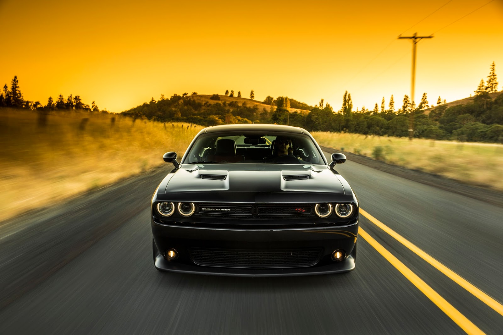 the golden age is now 2016 dodge challenger r t scat pack. Black Bedroom Furniture Sets. Home Design Ideas
