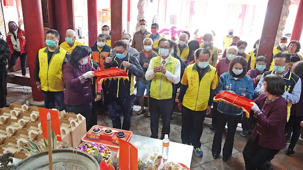 彰化市低收入戶與獨居長者 免費寺廟點燈祈福