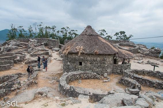 Ruinas en el castro de Santa Tecla
