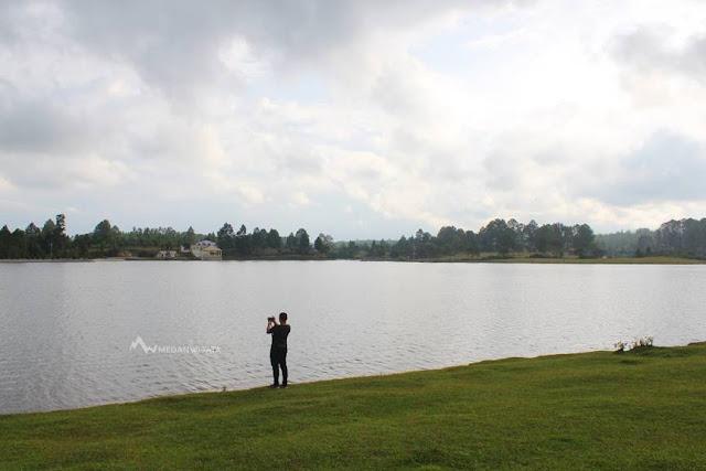 Danau Aek Natonang Samosir