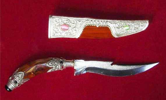 Tiuk, Senjata Tradisional Dari Bali