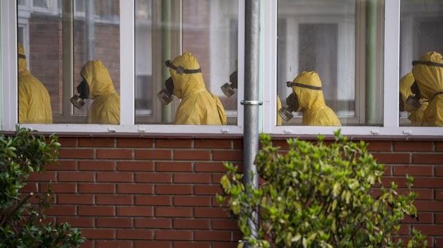 18 halott a Pesti úton: így dolgoztak a katonák a koronavírus gócpontjában – galéria