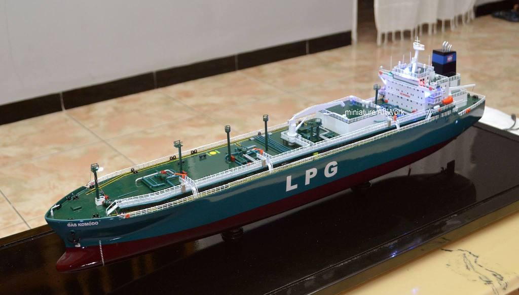 miniatur kapal gas komodo pt buana lintas lautan bull pt pertamina rumpun artwork temanggung planet kapal indonesia
