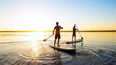 El paddle surf es uno de los deportes de moda