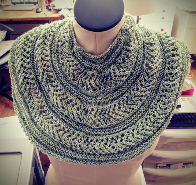 simple cowl or shawl desing in three sizes from Chris Knits