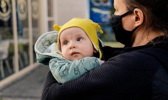 Cara Mengatasi Kepala Peyang Pada Bayi 4 Bulan