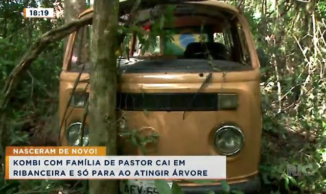 """Família de pastor sai ilesa de queda de Kombi em ribanceira no PR: """"Jesus nos guardou"""""""