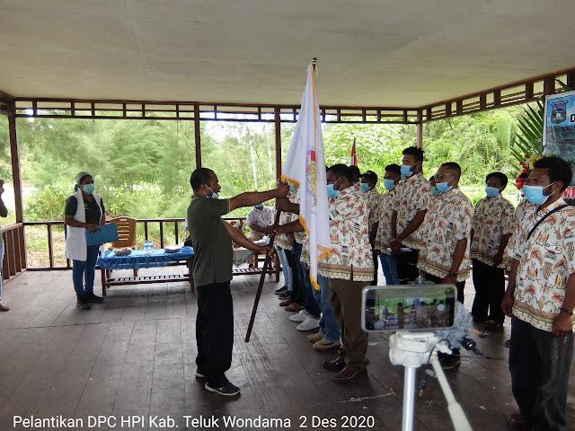 Ketua DPD HPI Papua Barat melantik DPC HPI Teluk Wondama