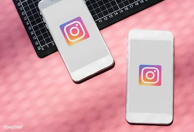 Dois celulares com ´ícone do Instagram