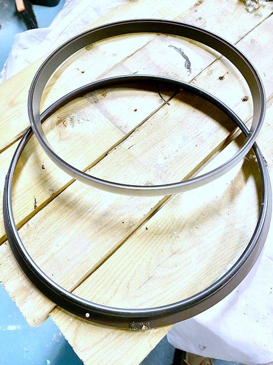 Use Clock Parts to Make a DIY Holiday Wreath
