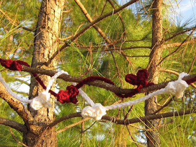 free crochet pattern, heart, popcorn stitch, garland, Valentine's Day